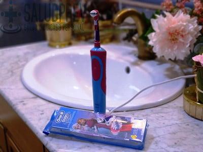 escova de dentes eléctrica para raparigas