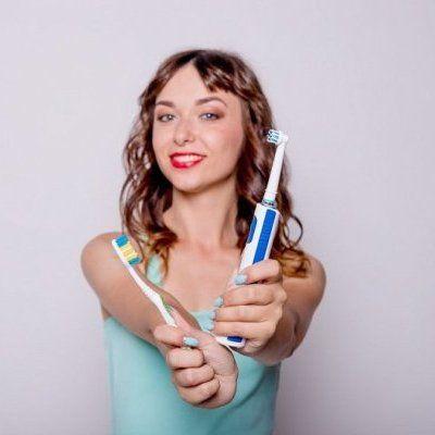escova de dentes manual ou eléctrica
