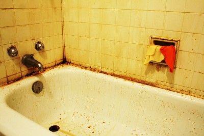 Cómo quitar el moho del cuarto de baño